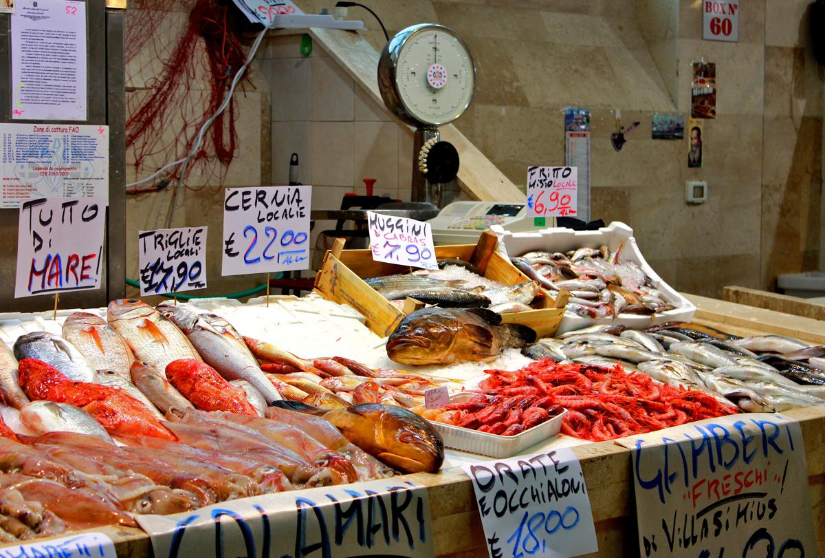 Mercato San Benedetto di Cagliari Sardegna, Sardinia | Fish Shop