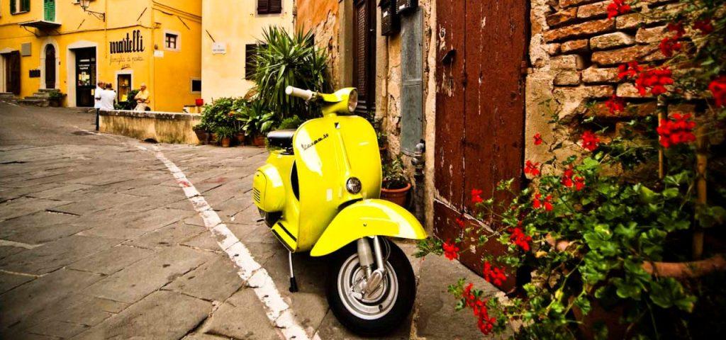 Tour of Cagliari by Vespa: Enjoy Cagliarin in Sardinia driving a Vespa
